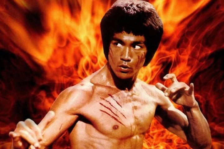 李小龙,被美国排挤14年的好莱坞巨星