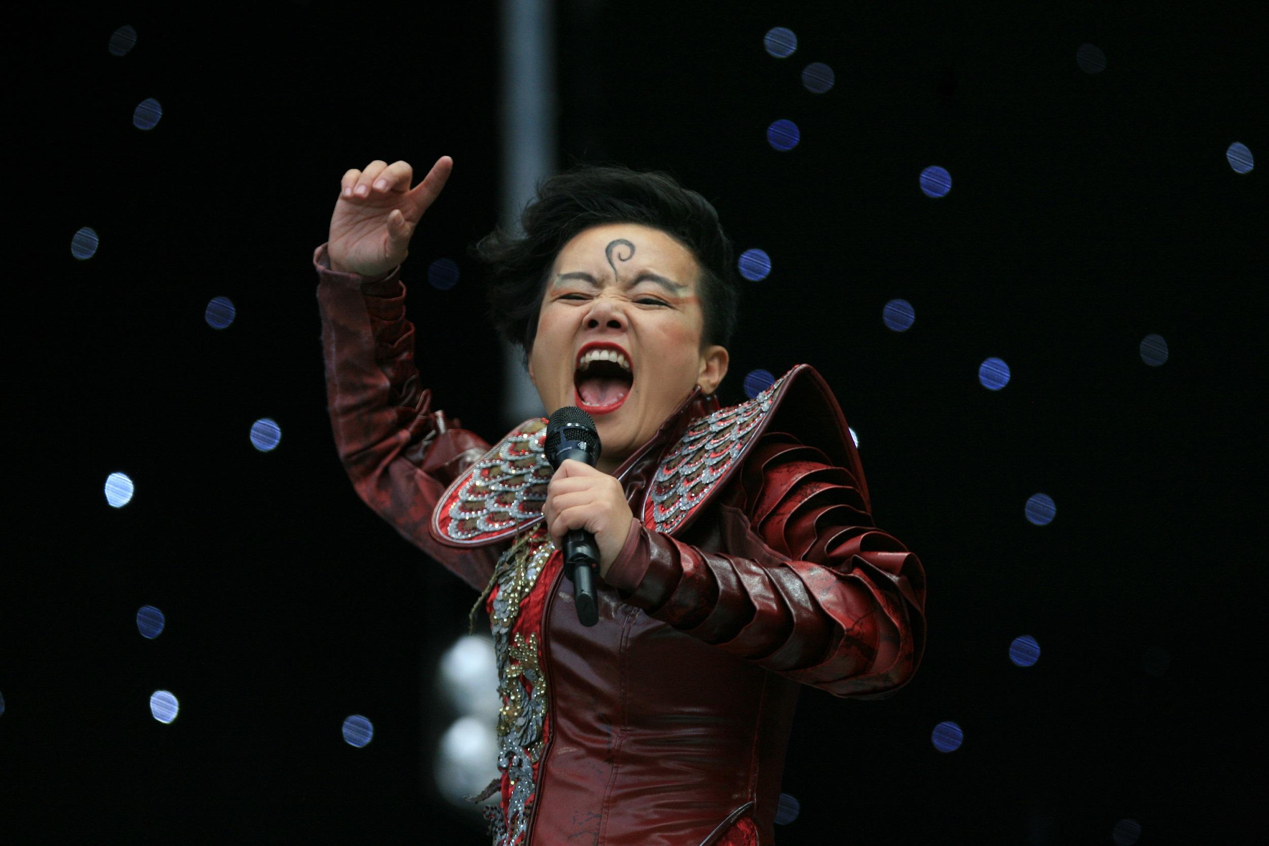 连《歌手》这种级别的音乐节目,也需要靠抄袭侵权搞噱头?