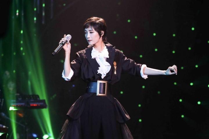 习惯性鄙视歌手炫技飙高音的人,一定没听过这个小姐姐唱歌…