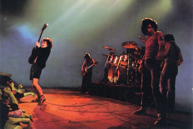 AC/DC-1979年巴黎演唱会《Let There Be Rock》高清版
