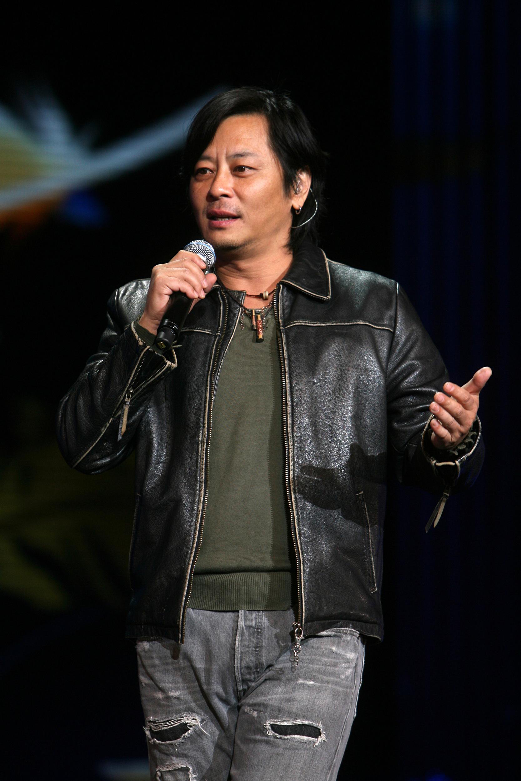浪子王杰:被追捧了二十年,被嫌弃了一辈子