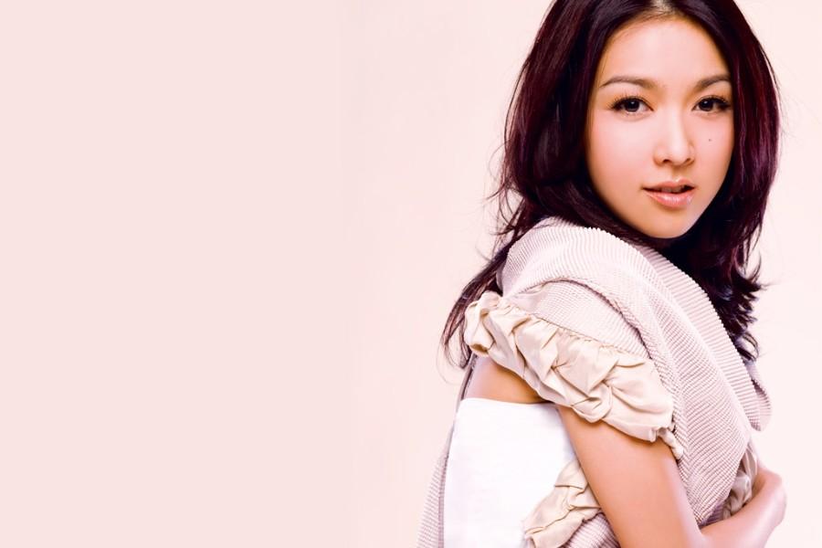 薛凯琪《远远关心》上线,述说相爱却不能在一起的复杂心思