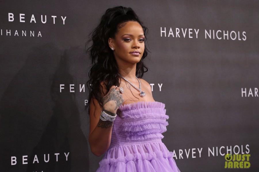 蕾哈娜美妆品牌Fenty Beauty新品预告,配乐疑新歌将临