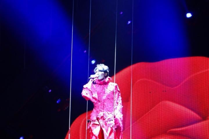 杨宗纬演唱会安可《越过山丘》,高晓松微博评价:牛哔啊