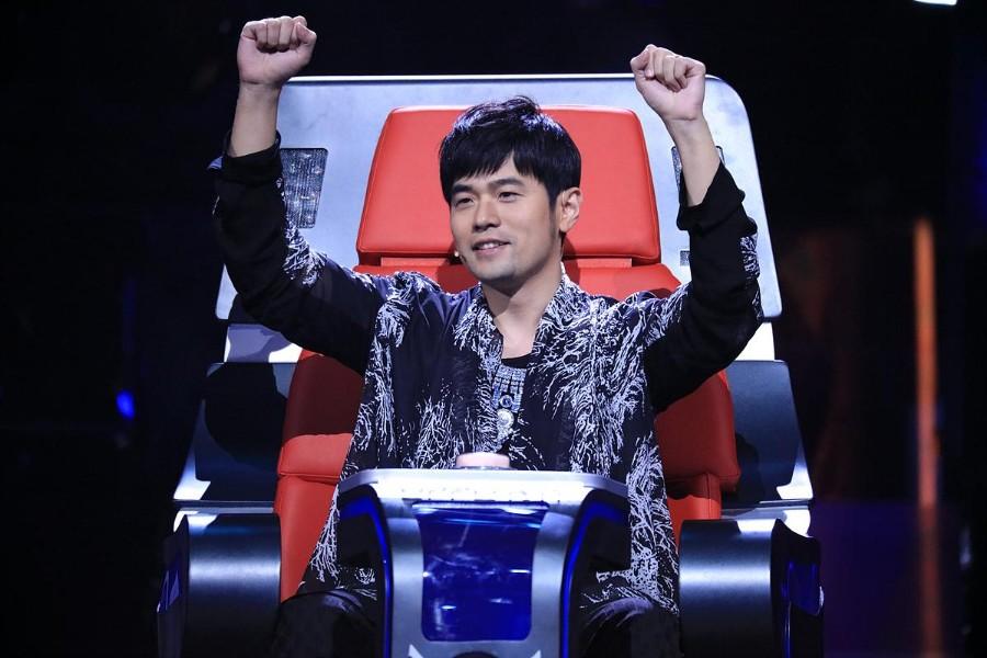 《中国新歌声》称周杰伦退出第三季为不实消息:还在邀请之列