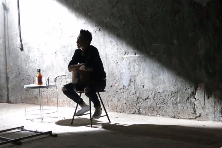 庾澄庆新专第二波主打单曲MV上线,浓浓的怀旧风演绎落寞心情