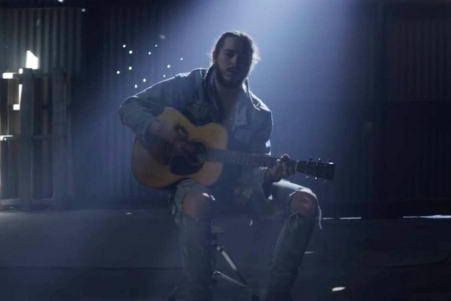 Malone联手21 Savage《Rockstar》MV公开,继续独霸榜单