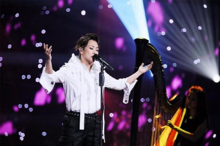 安静唱歌也能散发大魅力,林忆莲完美诠释情歌《水星记》