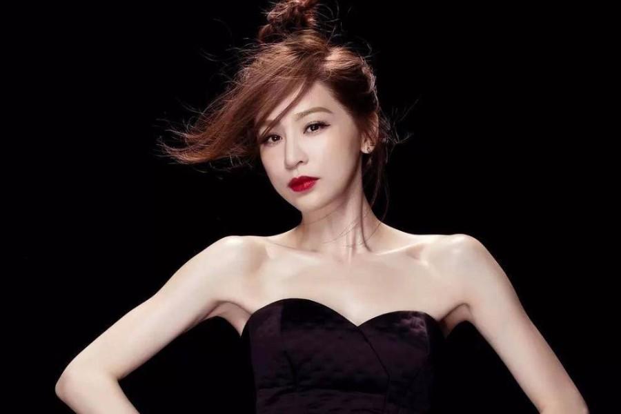 王心凌搭档耿斯汉霸道演唱《当你》,我竟然她被撩了