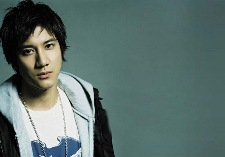 """王力宏出道22年,你从哪首歌开始爱上这位""""盖世音雄""""的呢?"""